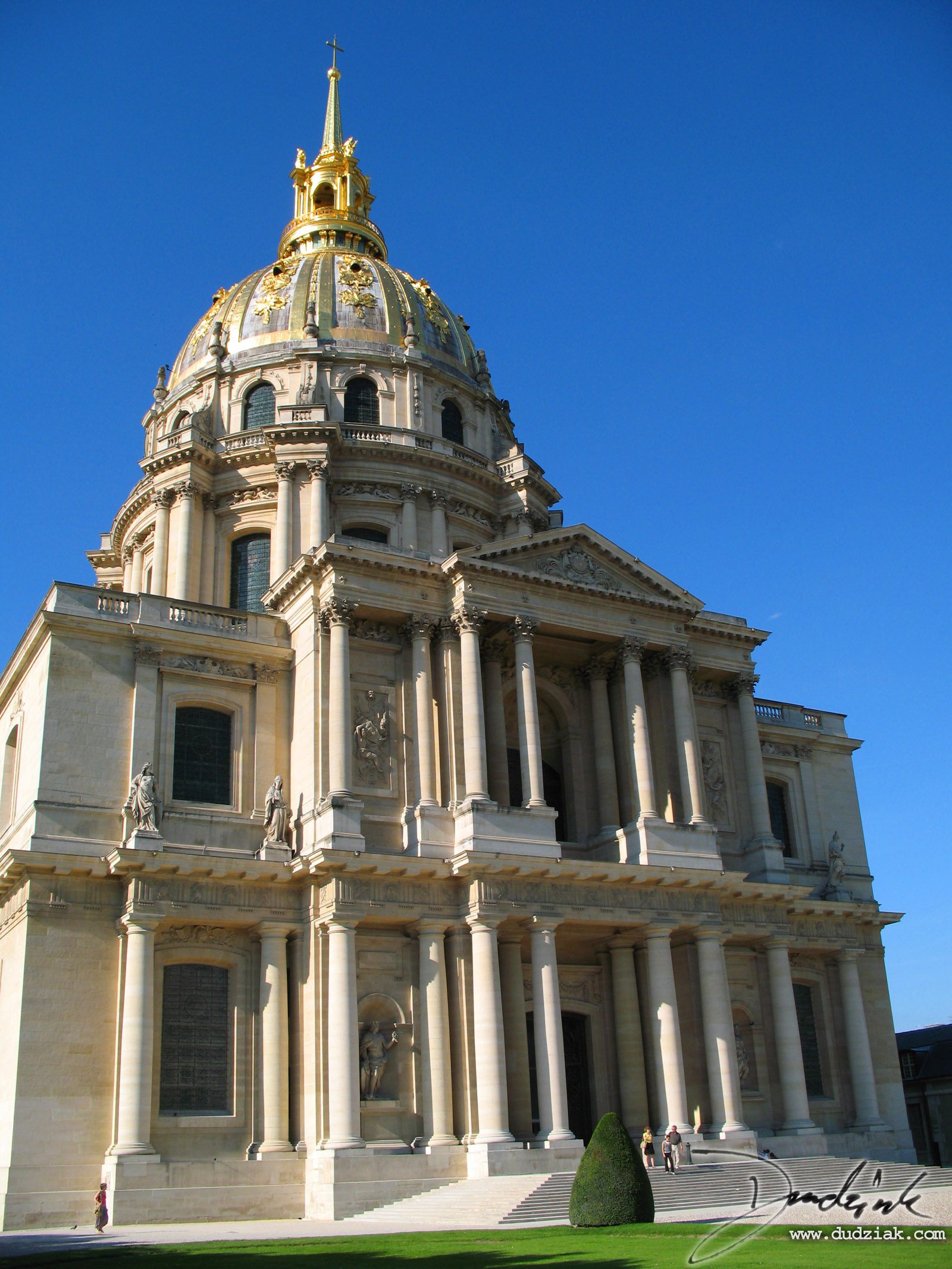 Picture of the Les Invalides in Paris, site of Napoleon's Tomb.