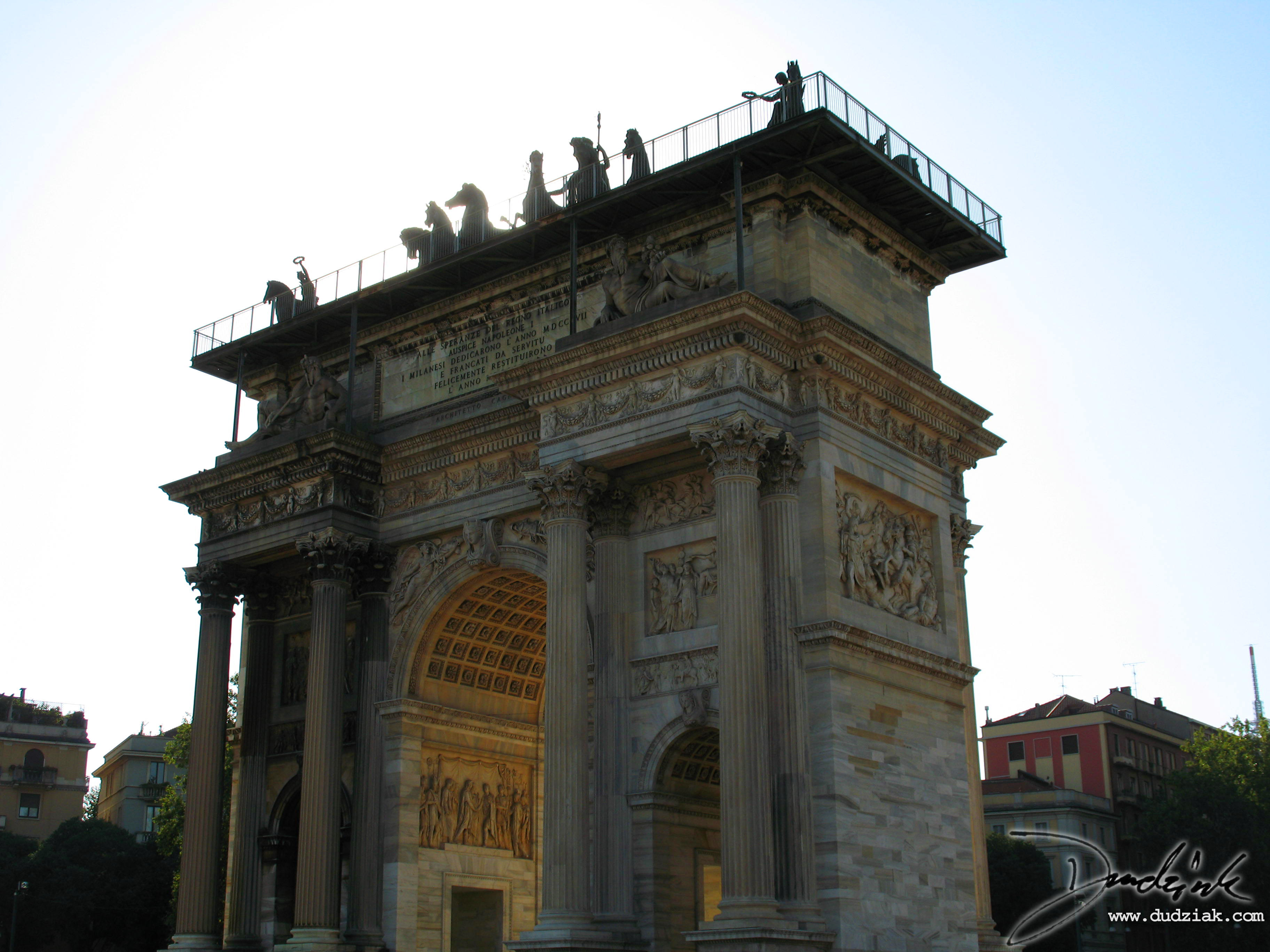 Picture of the Arch of Peace in Milan, Italy.