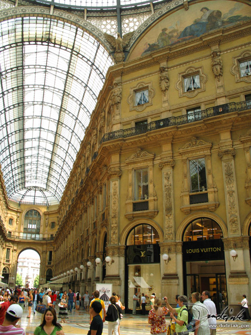 Picture of the Louis Vuitton store in the Galleria V. Emmanuelle in Milan, Italy.