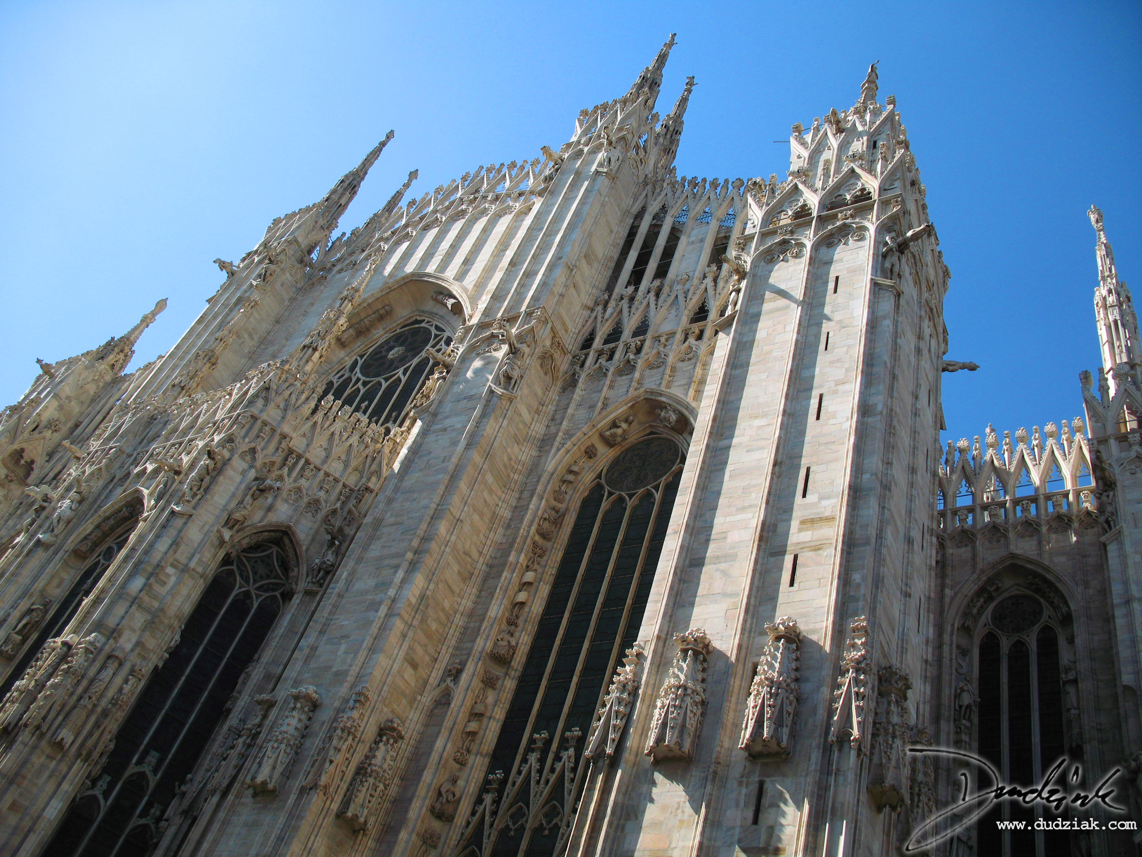 Picture of the rear of the Cathedral of Milan