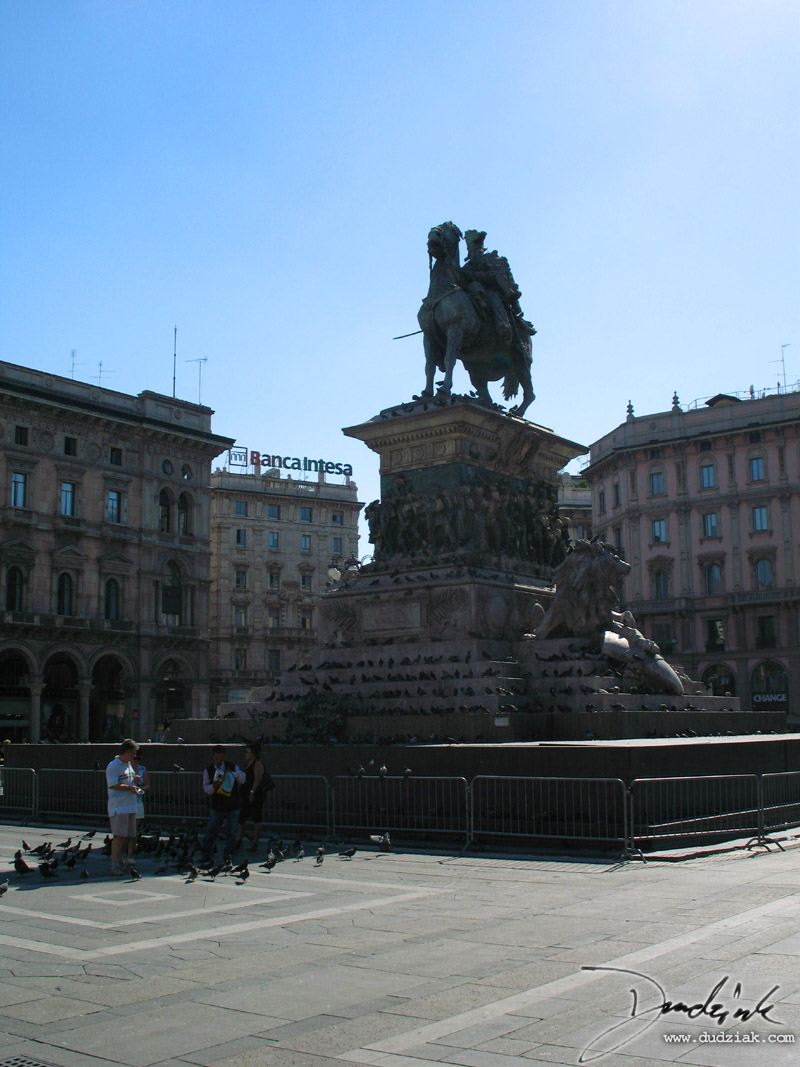 Picture of the Monument to Vittorio Emanuele II in Piazza del Duomo in Milan, Italy.