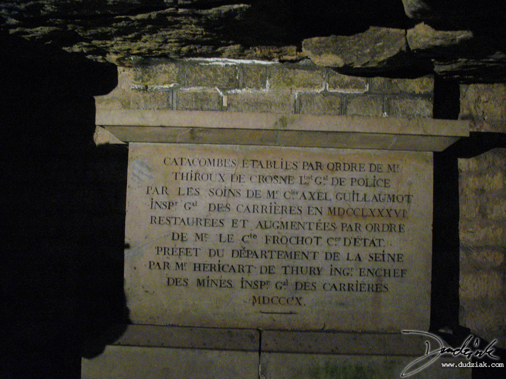 Inscription about the Paris Catacombs