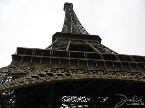 Eiffel Tower,  Tour Eiffel,  Grey Sky