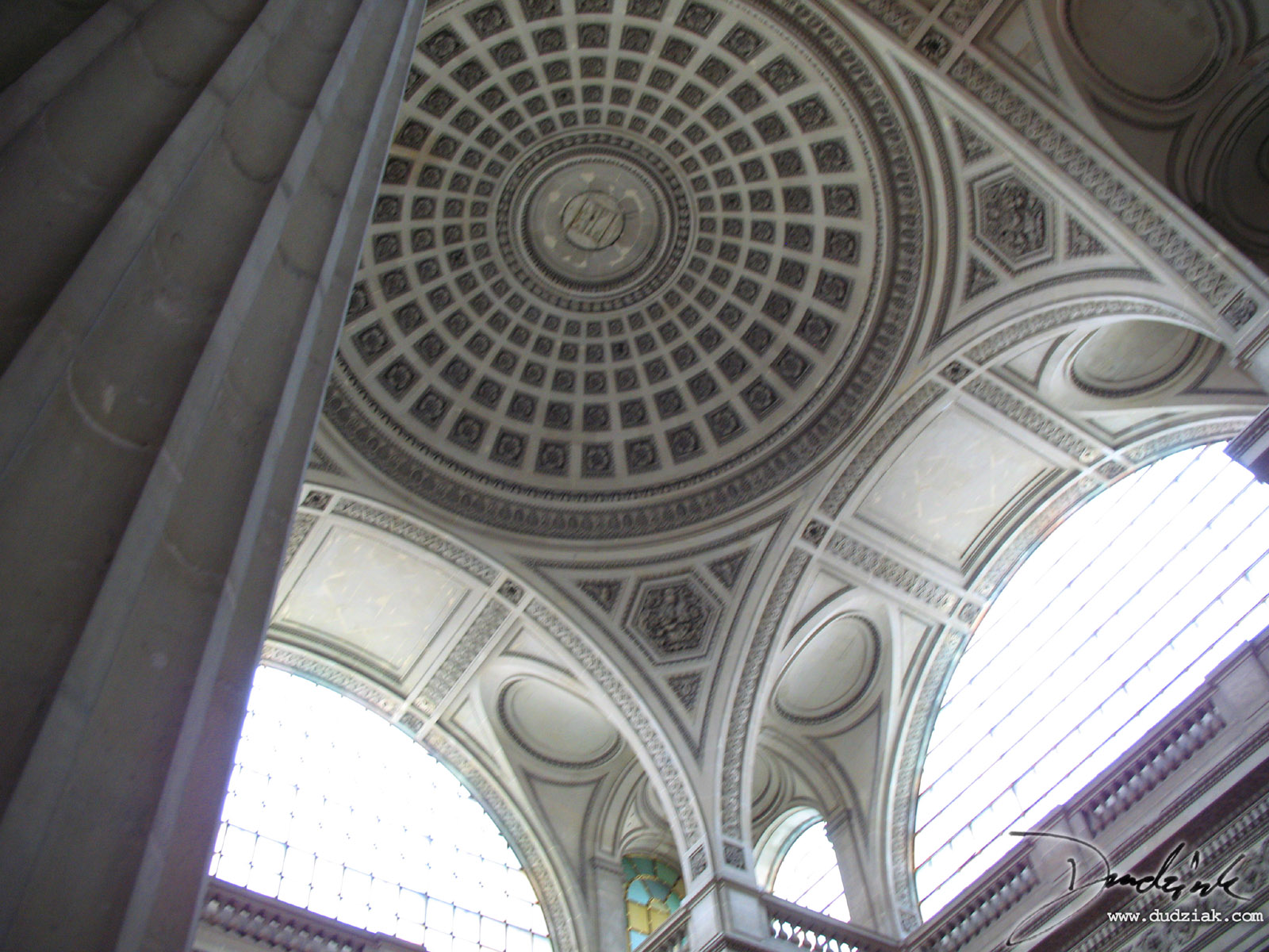 Picture of the interior of the dome of the Paris Pantheon