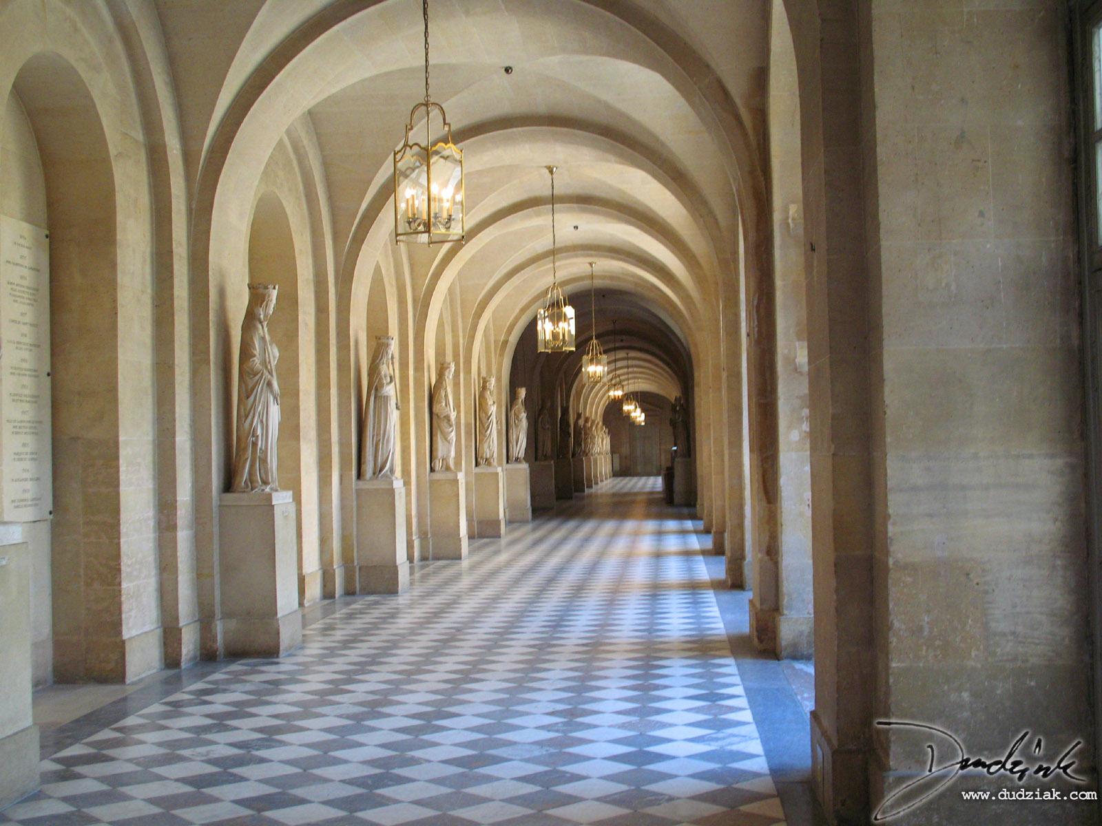 corridor in versailles 1600x1200