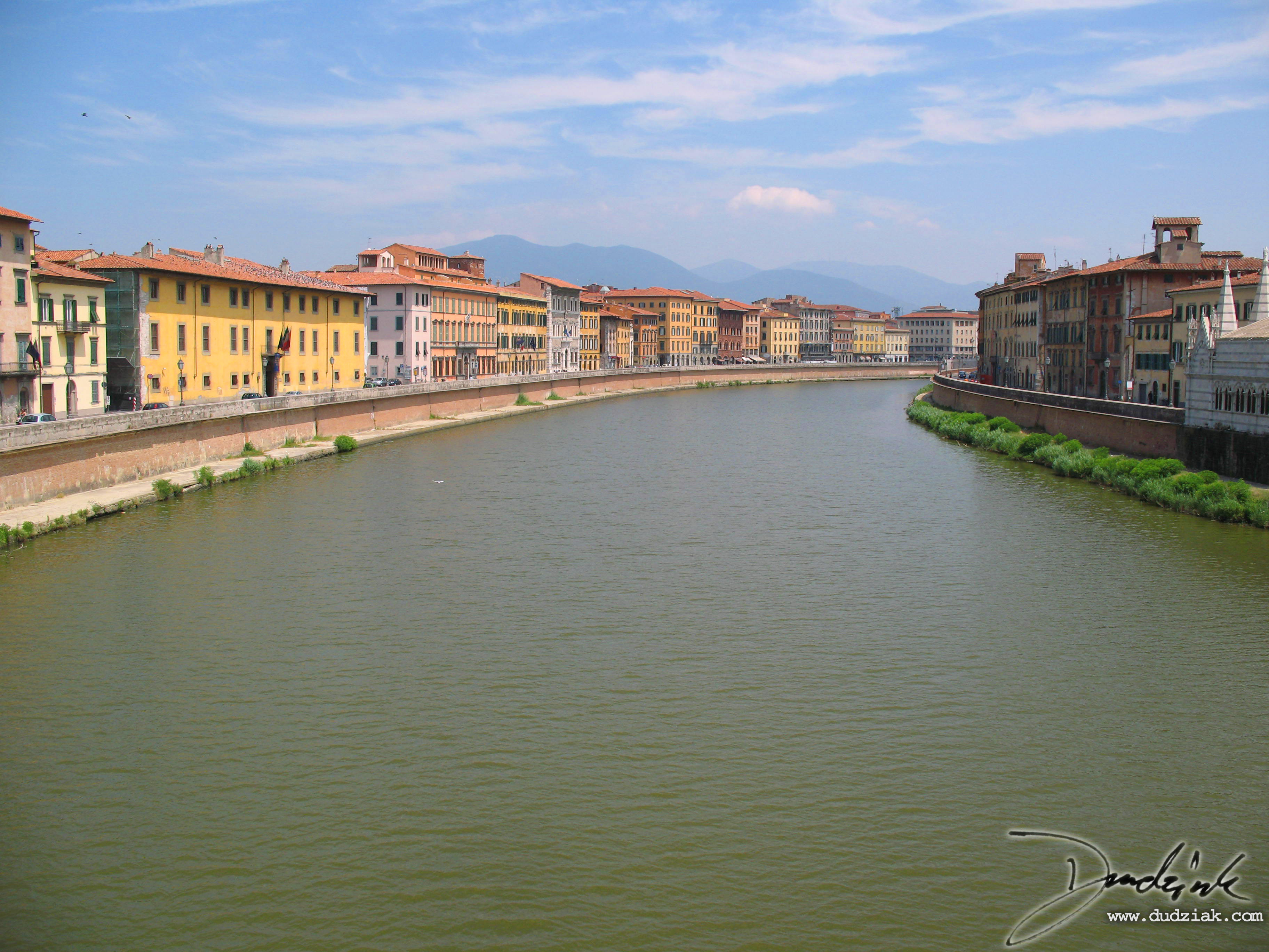 arno river pisa italy arno river in pisa looking east from ponte