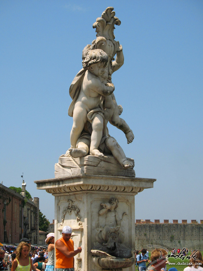 sculpture,  Pisa Italy
