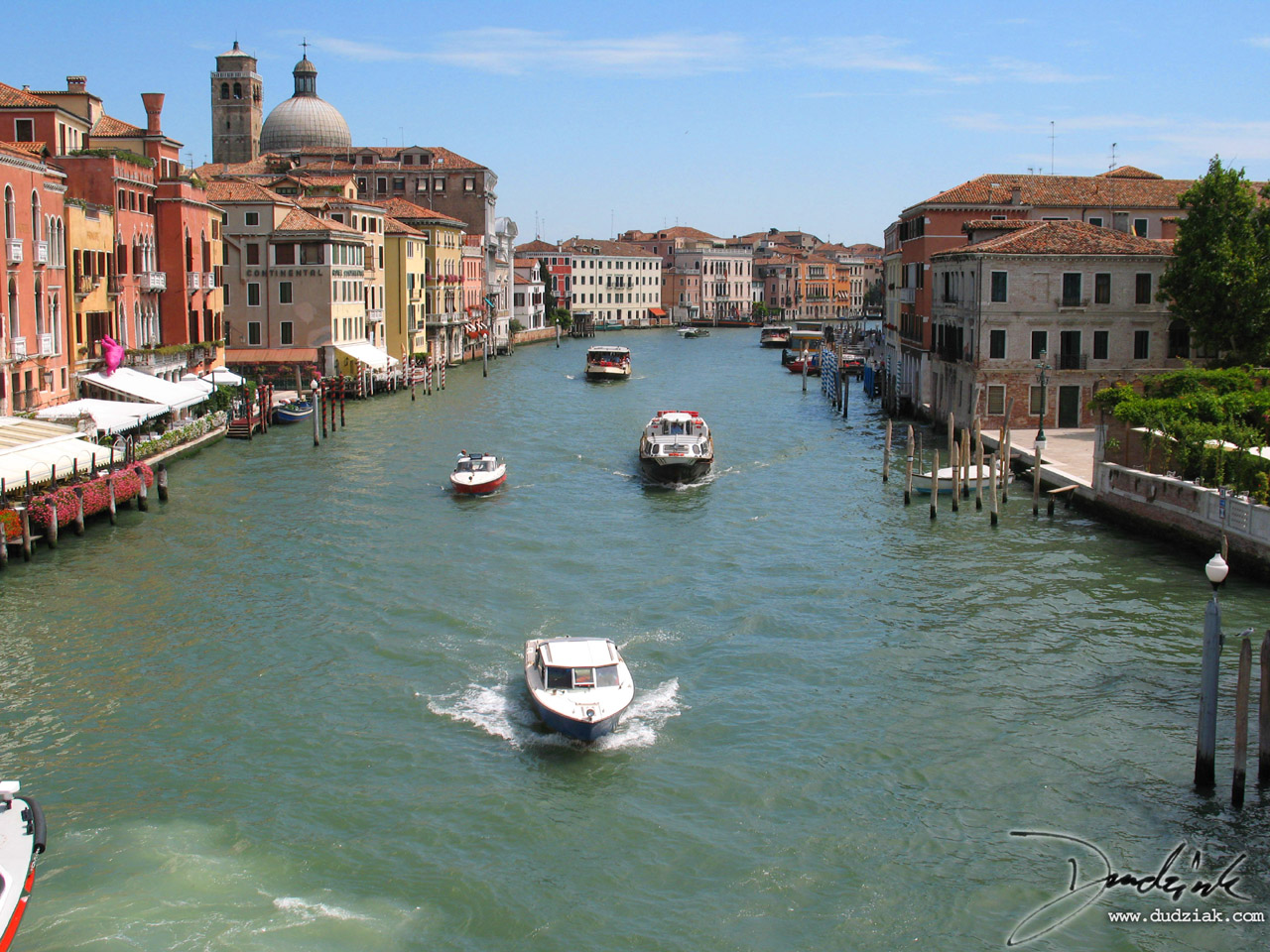 Picture of Venice's Grand Canal.